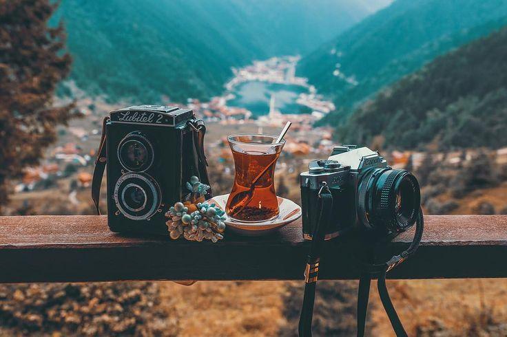 ☕️ Turkish tea (place:Uzungol - Trabzon-Turkey) // Photography by Uğur Tekdal (@zamandoktoru)