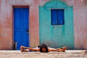 Ashtanga Yoga - Upavistha Konasana B