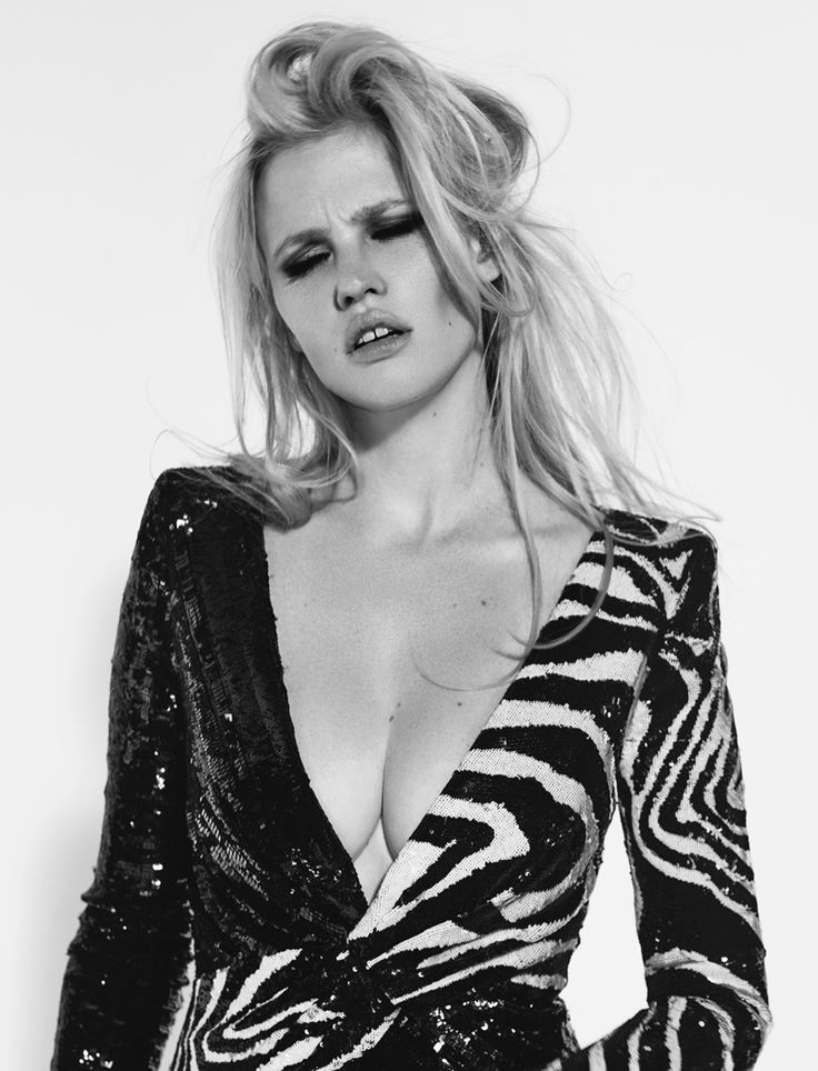 Lara Stone poses for the September issue of L'Express Styles