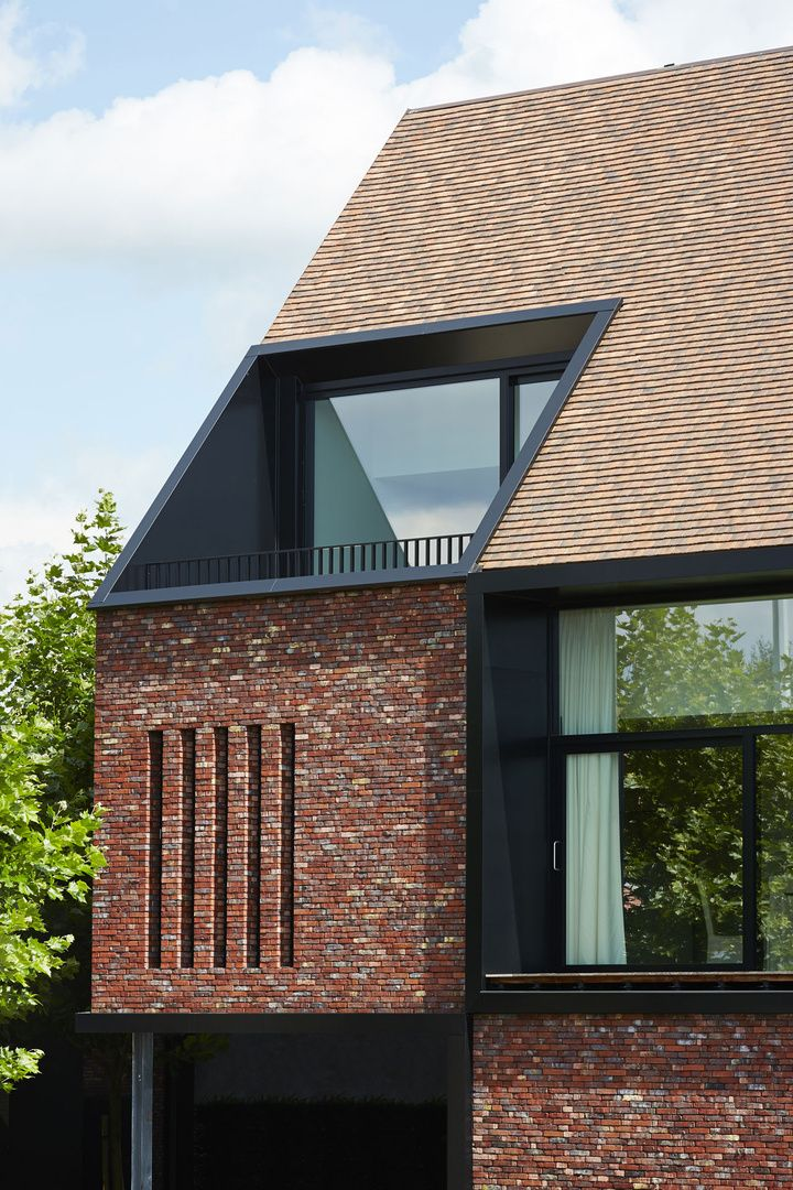 Best 20 dormer roof ideas on pinterest dormer house for Prefab eyebrow dormer