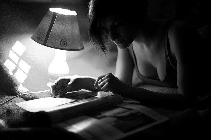 Desperté 27 de julio de 2014 a la(s) 13:03 Desperté en el olvido rodeada de sueños incumplidos. de  futuros convertidos en pasados sin haber tenido presentes.   Donde duele el alma , las venas. y tus ojos se ahogan en llanto, Donde los pensamientos hablan de tí.   Donde las palabras se desvisten mostrando su dura desnudez. Donde duelen las lagrimas rozando la piel.   Desperté en el olvido, en un instante del presente y llore, llore  mi vida.