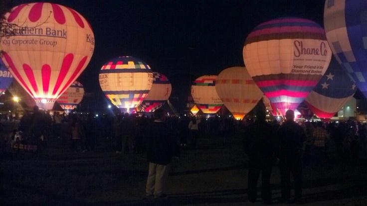 Louisville Balloon Glow 16