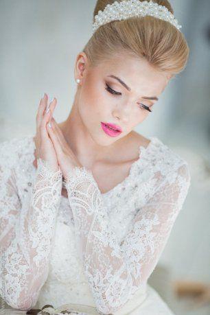Естественный макияж с акцентом на губы