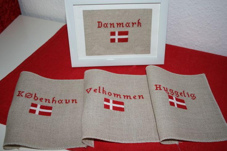 DANMARK Stickerei Deko dänische Flagge rot  weiß von Lille Danmark auf DaWanda.com