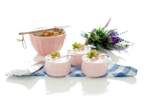 Petit suisse caseros de gelatina de fresa | Velocidad Cuchara