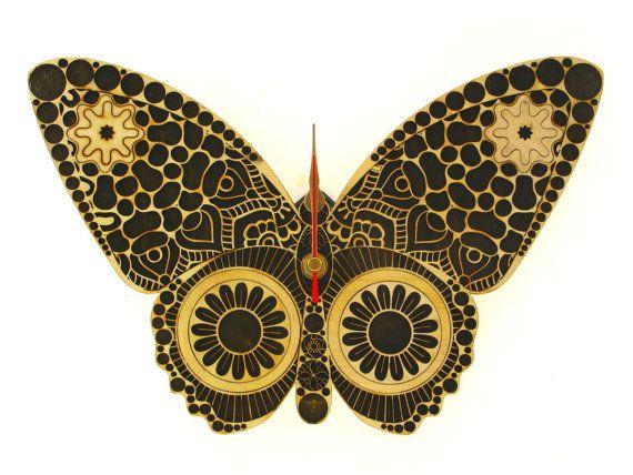 Wooden wall clock Handmade Wall Clock Buttefly di Indigovento