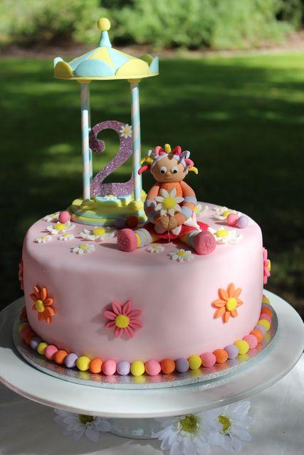 Cute cake at a Garden Party #garden #partycake