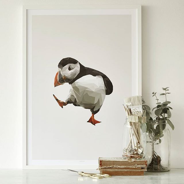 Our all time favourite Puffin  get it in sizes 50x70cm, A3 and A4. Link in bio…