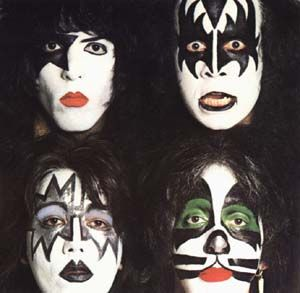 KISS face painting -- I would DIE if all the kids walked around with their faces painted like this!! :-)