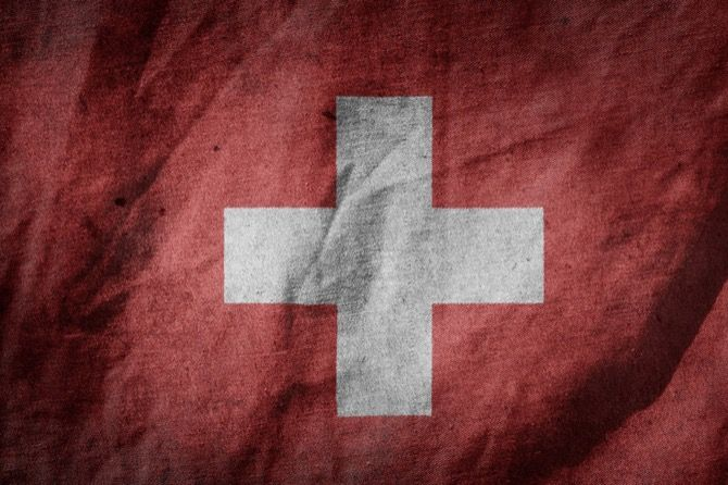 Se vuoi portare il cane in Svizzera per farti una vacanza, oppure per raggiungere una nazione passando attraverso il paese Elvetico, bisogna prestare attenzione alle norme e prepararsi in anticipo.