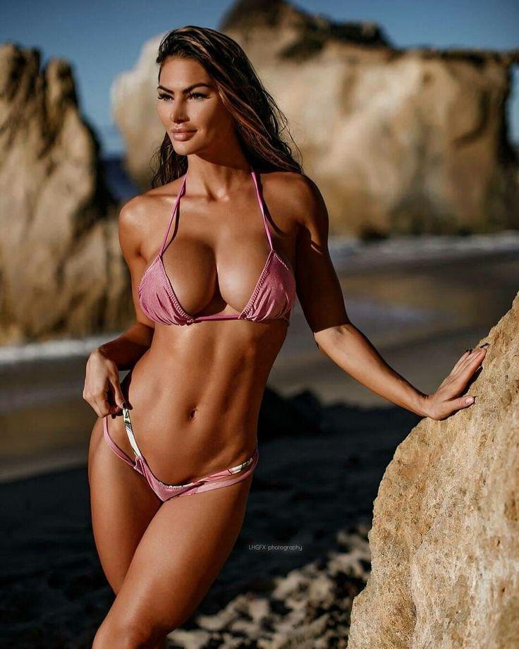 Katelyn Runck Bikini Beach Hot Girls Diva Let Me Jerk 1