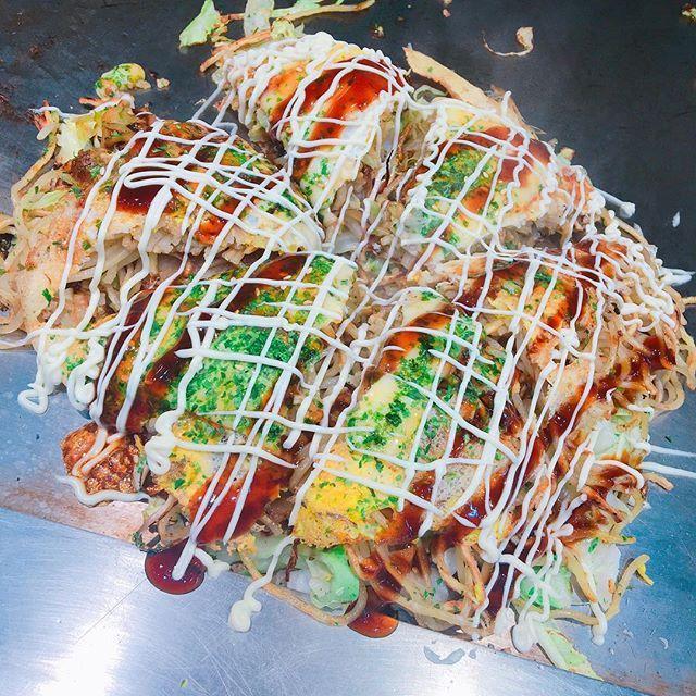 🕺 そば入ってないとお好み焼きじゃないです笑 #お好み焼き#広島#肉#チーズ#最高#シンプル#美味しい#ごはん#料理#写真#カフェ#カフェ巡り#ランチ#ディナー#スイーツ#デザート#好き#写真好きな人と繋がりたい#okonomiyaki#good#yummy#food#picture#cafe#morning#lunch#dinner#sweet#health#sport