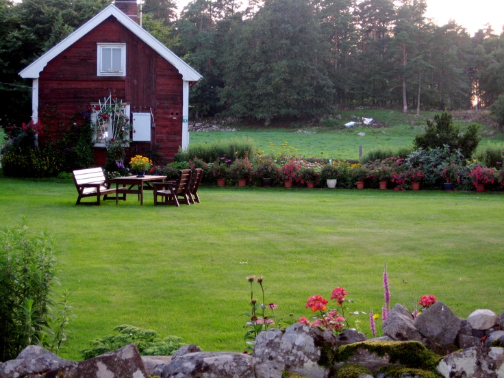 My cousin's farm in Kalmar, Sweden.  I took this photo while walking all around the property - a trip of a lifetime, thank you Torgney, Britt and Ulf!