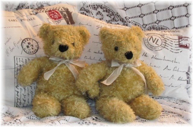 Oud speelgoed,tweedehands speelgoed, antieke poppen, beren