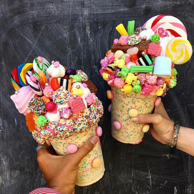 """Holy SWEETS! Um, can we get our hands on one of these """"Freakshakes,"""" please?! : @sydneysmashcakes : @hellomissmay #️⃣: #donutscookiesandcream TAG YOUR FRIENDS!"""