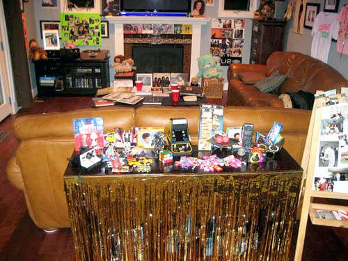 Best 25 1980s party decorations ideas on pinterest 80s for 1980s party decoration ideas