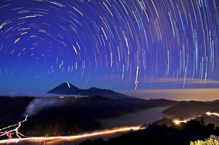Star trail, Bromo, Jawa Timur, Indonesia.