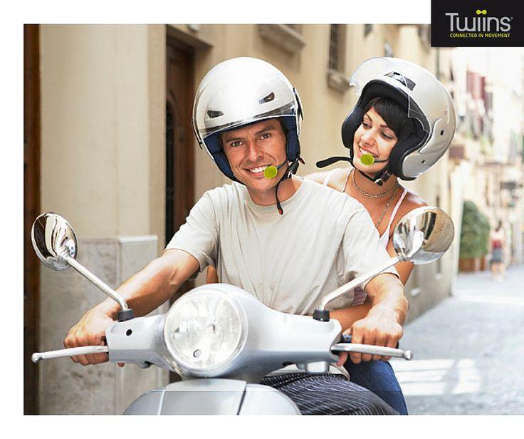TWIINS D3 | KIT MÃOS LIVRES C/ INTERCOM | Graças à funcionalidade de intercomunicação, fale com o passageiro, escute a sua música favorita e atenda as suas chamadas enquanto viaja na sua moto.  Precisa de mais informação para comprar já o seu Twiins? Não espere mais! Fale connosco!  #lusomotos #twiins #d3 #kitmãoslivres #intercom #comunicação #música #gps #bluetooth