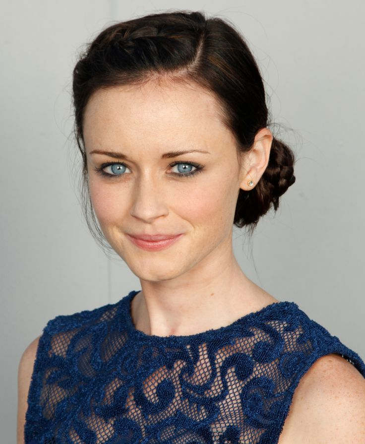 Alexis Bledel would make a great Anna Lewis in Watercolor Dreams.