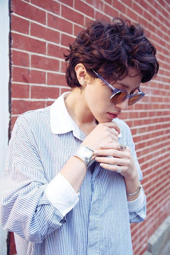 Marvelous 1000 Ideas About Short Curly Haircuts On Pinterest Short Curly Hairstyles For Women Draintrainus