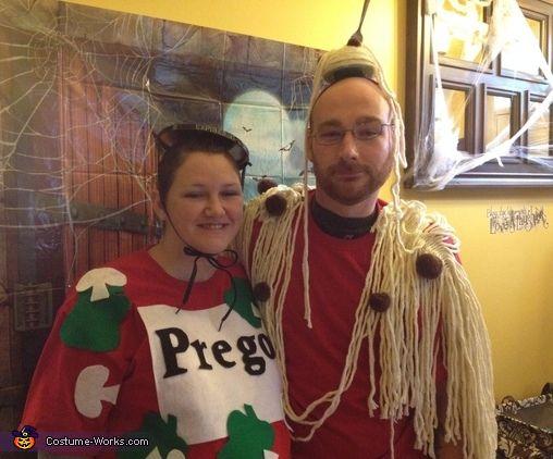 spaghetti and prego sauce costume pregnant halloween - Pregnancy Halloween Costume Ideas For Couples