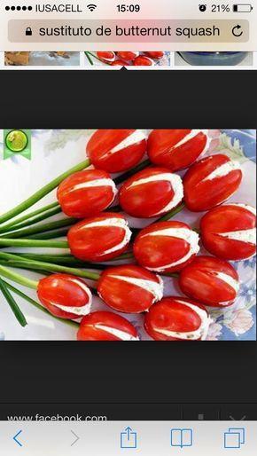 Deliciosos tomates saladet con cebollin y relleno de salsa Tampico y surimi