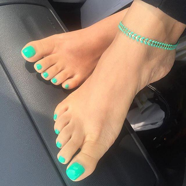 So sexy #suckabletoes #instafeetlove #feetlover #lovefeet#sexytoes#feetfetishnation #cutetoes #feetl…