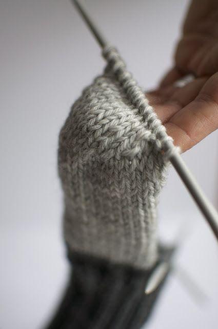 jojo kan själv: sticka sockor (free sock pattern)