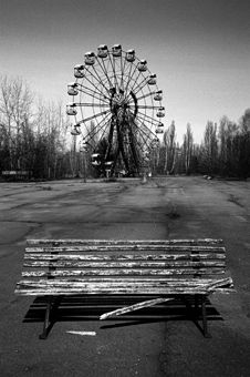 Such an amazing picture (People used to ride that thing for fun!!!!!)