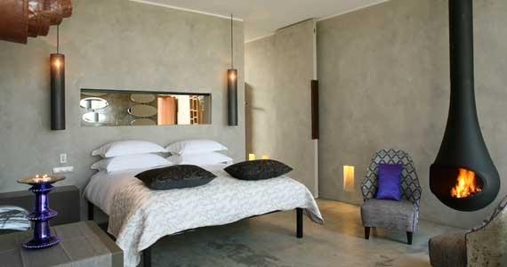 Areias do Seixo Charme Hotel - Um lugar mágico, a menos de uma hora de Lisboa, na região Oeste, onde pode respirar a natureza, rodeado de pinheiros, dunas e mar. Sinta a originalidade, o conforto e sofisticação, numa perfeita fusão com a terra.