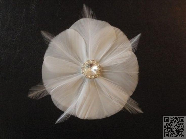 2. #Delicate Feather - 13 #Fabulous DIY Fascinators ... → Hair #Fascinators