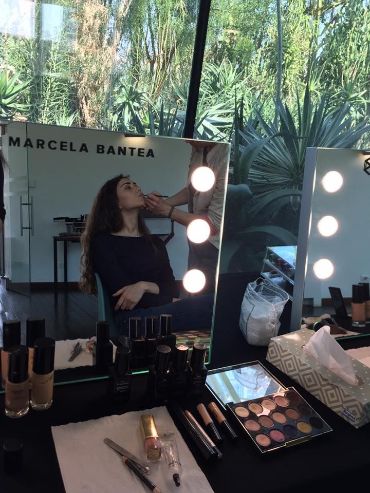Cantoni is there where beauty lives. Today in Padua, at @marcelabanteamakeupschool professional makeup masterclass. #marcelabantea #makeupmirror