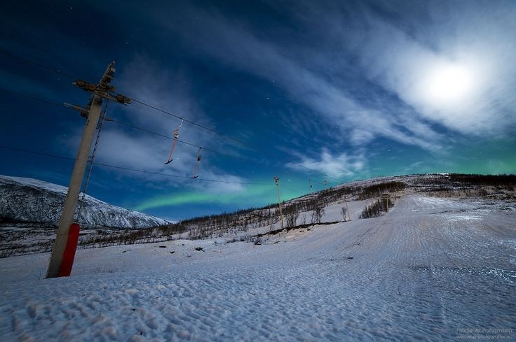Northern light alpine hill by Frode Abrahamsen on 500px