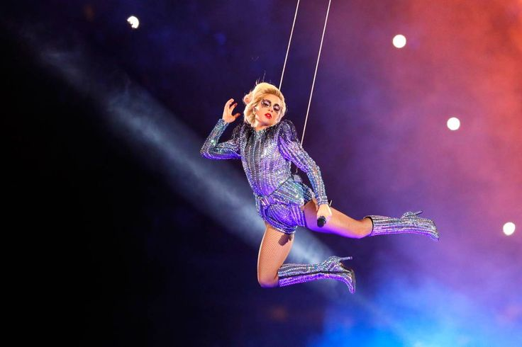 Lady Gaga no Super Bowl e mais 5 previsões de 'Os Simpsons' Seriado previu os artifícios usados pela cantora no Super Bowl, bem como eleição de Donald Trump e 7x1 do Brasil