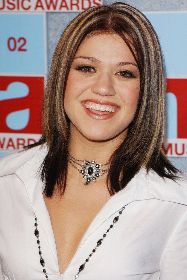 Kelly Clarkson S Chunk Tastic Highlights 2000s Fashion
