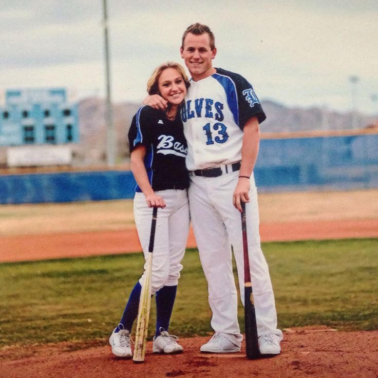 Baseball, and softball couple.... To cute!!