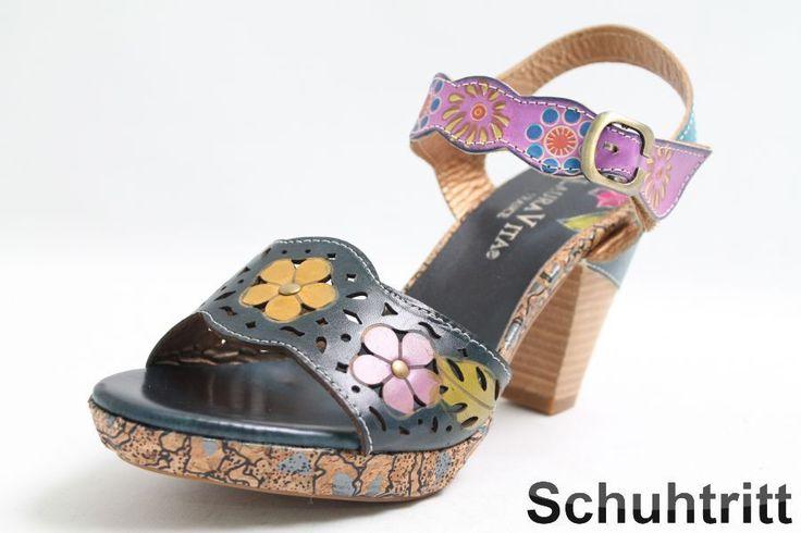 Diese komfortablen Laura Vita Sandalen sind mit einer aufwändigen Lochstanzung gearbeitet, welche eine sommerliche Optik und ein luftigen Tragekomfort bietet. Der Riemen ist mit Klettverschluss ausgestattet und lässt sich so einfach und...