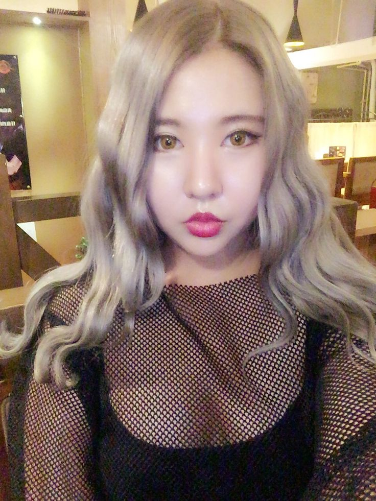 Silver hair  Perfect for fall  Ft. Babydoll makeup  Korean makeup   Follow xxdna on instagram & support me~❤️