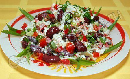 """салат """"Фасолька"""" с крабовыми палочками"""