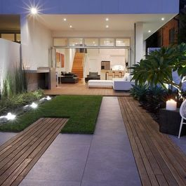 Small courtyard hard landscaping materials