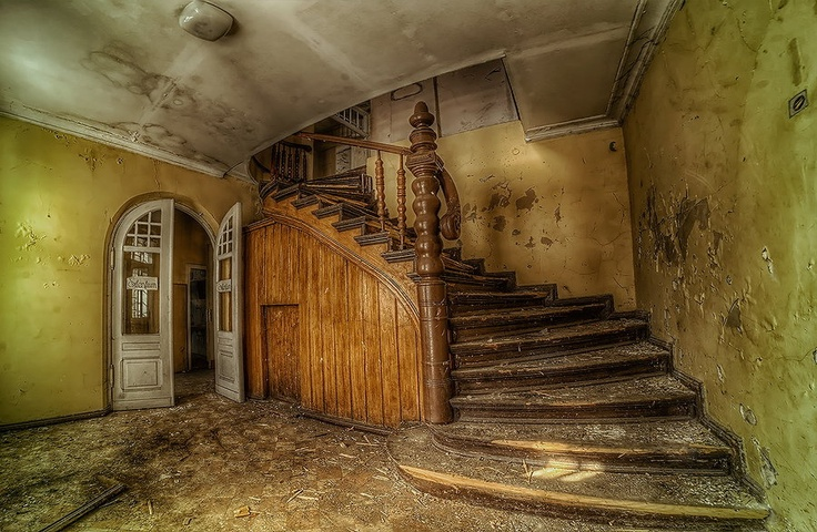 Harry Potter Staircase : Best images about red etin on pinterest virginia