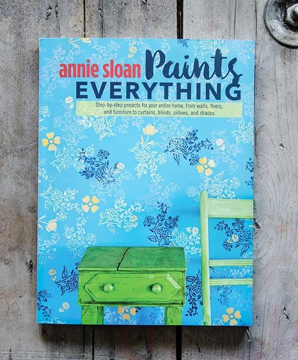 Annie Sloan revealed the front cover of her new book 'Annie Sloan Paints Everything'! It's her 26th book and has 40 new step-by-step projects - SO exciting! You can pre-order your copy now from your local Annie Sloan Stockists! It's going be exclusively available from the stockists from mid October.