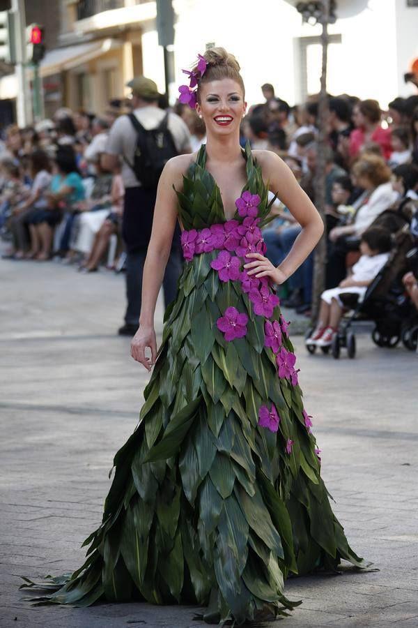 Vestido de hoja verde con cintur n en fucsia v stete con - Plantas de hojas verdes ...