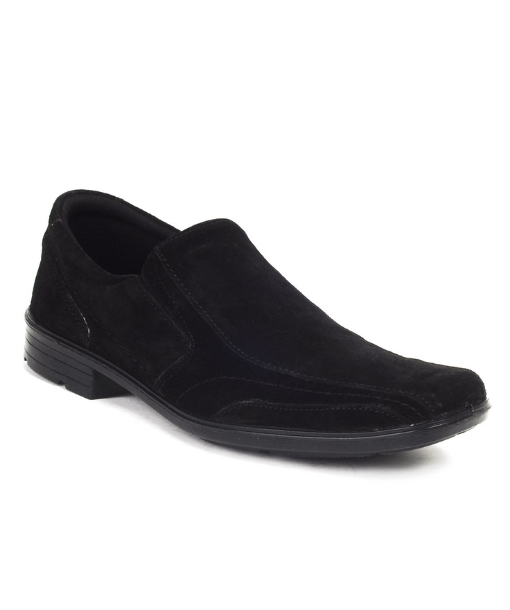 40% Off on Red Tape Casual Shoes @1299