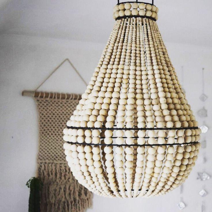 le produit lustre perle de bois est vendu par beaj store. Black Bedroom Furniture Sets. Home Design Ideas