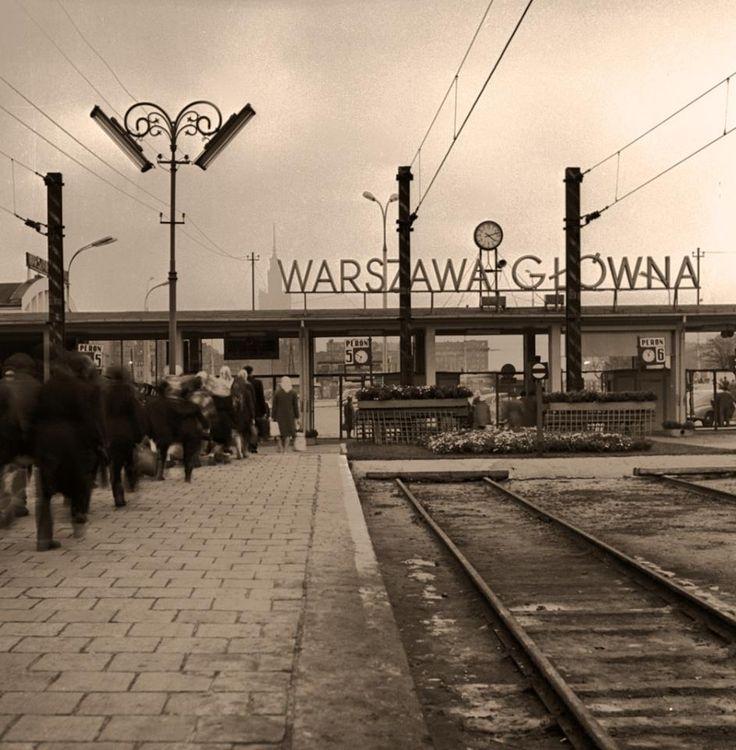 Dworzec Główn.1965 r. fotografia Jerzego Piaseckiego.