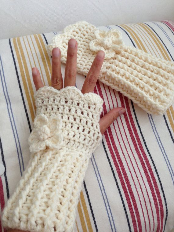 Crochet wrist warmer fingerless gloves by LittleAsiaGirl on Etsy