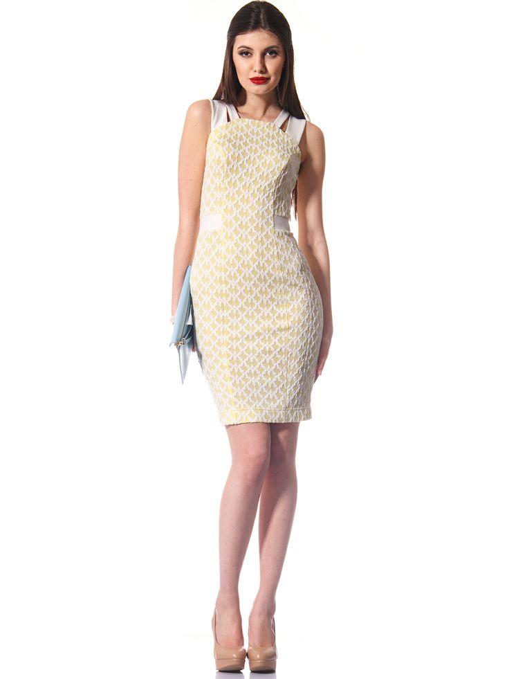 Трикотажное платье с заужением силуэтной линии к низу. Белые вставки в области пояса, а также двойные белые бретельки прекрасно сочетаются с белым принтом. Платье без подкладки и рукавов идеально подходит для жарких летних дней. Длина от плечевого шва по спинке: 92 см, длина юбки: 51 см.  Параметры модели: Рост: 178 ОГ: 92 см ОТ: 64 см ОБ: 94 см  http://evercode.ua/kollektsii/platya/1054-592