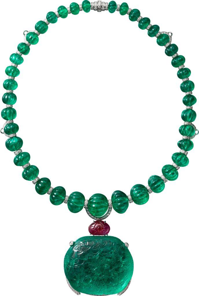 """CARTIER. """"Rajasthan"""" Collier – platine, une émeraude de Colombie coussin antique gravée de 136,97 carats, quarante-six boules émeraude d'Afghanistan côtelées pour 343,68 carats, un rubis poire gravé, diamants taille brillant."""