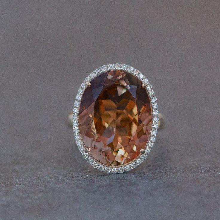 Imperial Topaz , gold, diamonds, 2647 €